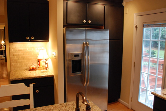 dare you to paint your cabinets black