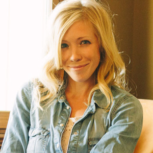 <b>Ellie Holcomb</b>, Dove Award-winning singer/songwriter