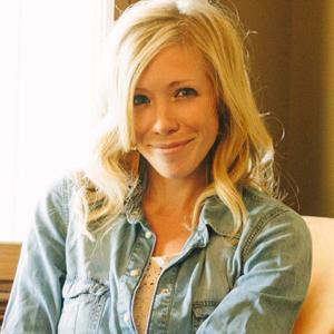 <b>Ellie Holcomb</b>, Dove Award-winning singer/songwriter